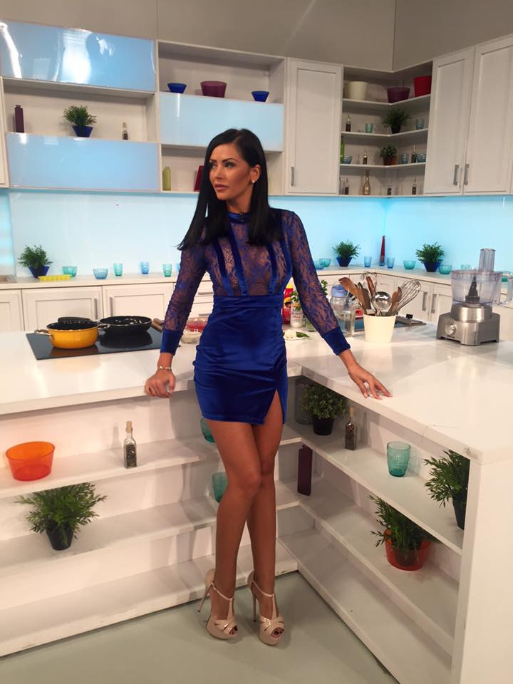 RALUCA DUMITRU asistenta STAR MATINAL de la ANTENA STARS ...   Raluca Dumitru