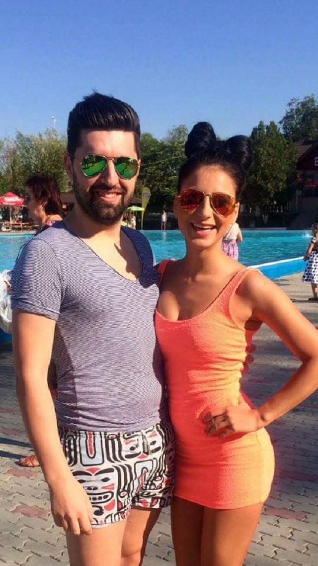 Claudia i sorin de la mireas pentru fiul meu n for Follando en la piscina gay