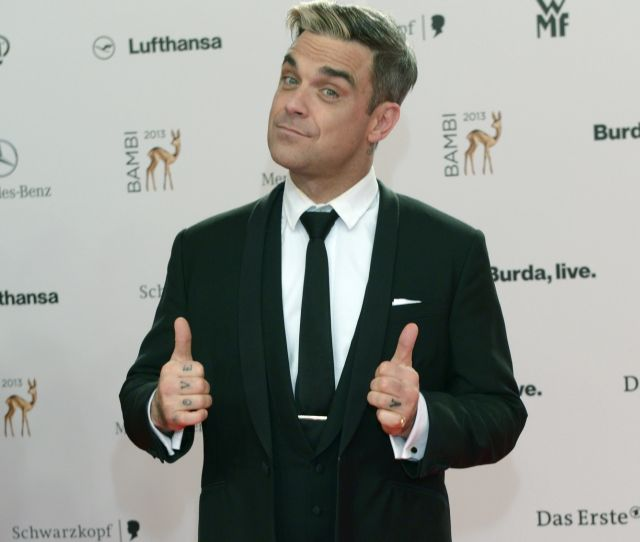 Robbie William Operatii Criza Varstei Ani