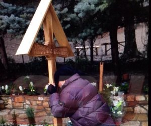 S-a VINDECAT Dârță? Minune la mormântul lui Arsenie Boca! e incredibil Imaginile sunt COPLEȘITOARE!