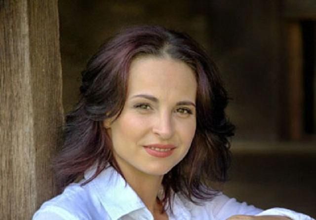 Corina Ungureanu Death Fact Check, Birthday & Age | Dead