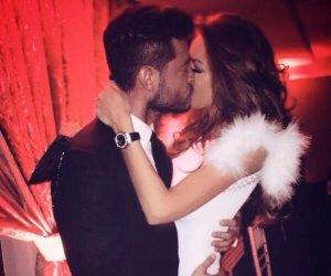 """Bianca Drăguşanu şi Victor Slav se iubesc pe ascuns. Uite-i îmbrăţişaţi, cu zâmbetul până la urechi. Vedeta se pregăteşte să-i facă un copil """"băiatului de la meteo"""""""
