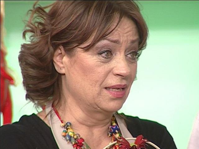 Video! Adriana Trandafir a primit vestea morții lui Mihai ...   Adriana Trandafir