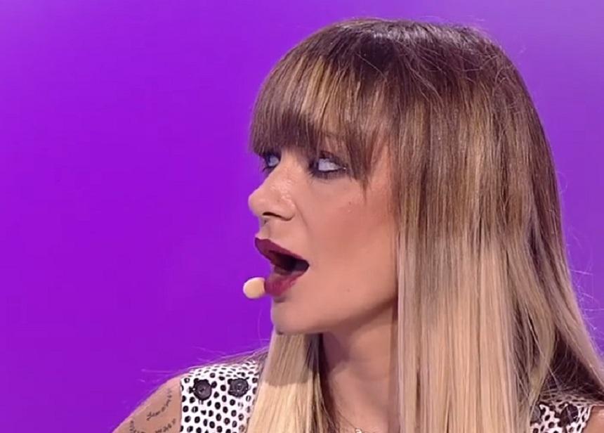 Irina Loghin a jucat intr-un videoclip de senzatie cu parfum retro! Iata-i pe Alina si Romeo de