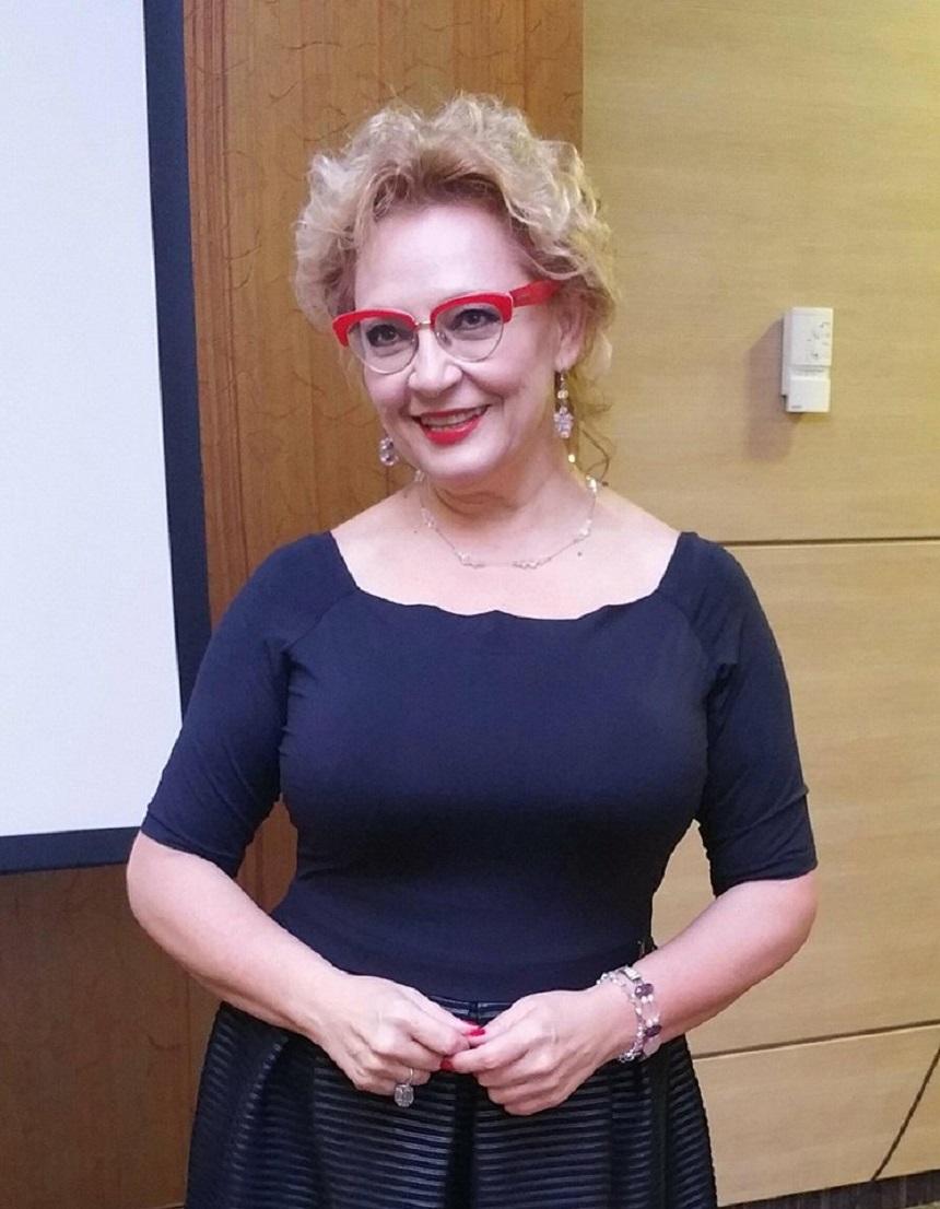 Betty Sinovia Nude Photos 37