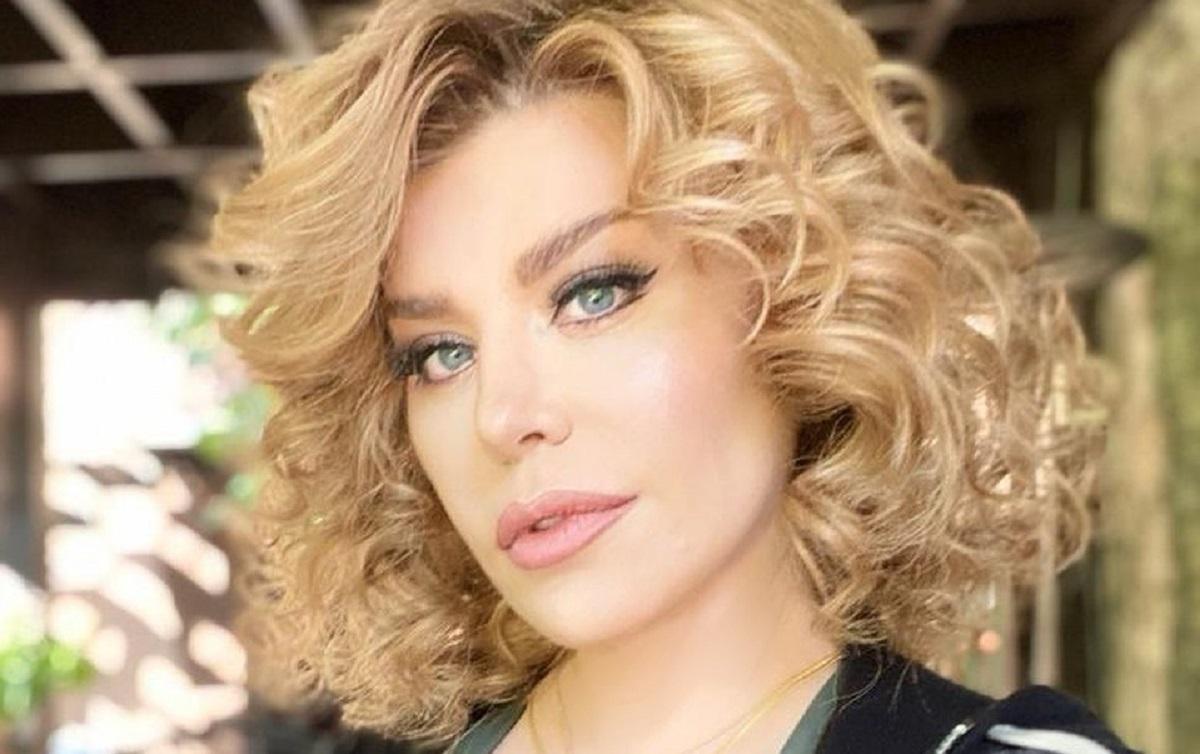 Loredana Groza sau Madonna de România? Apariţie incendiară ...  |Loredana Groza